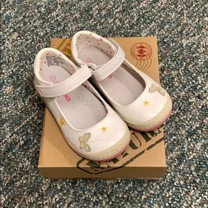 NEW! Girls 7 Toddler Shoes - White with Butterfly